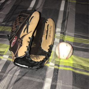 Glove & Baseball for Sale in Land O Lakes, FL