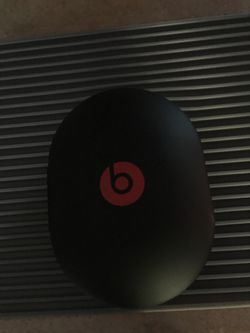 Brandnew solo beats wireless headphones with all accessories for Sale in Winthrop,  MA