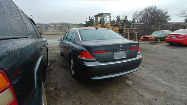 2004 BMW 745Li #S53572 Parts only. U pull it yard cash only.