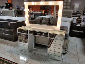 NEW VANITY MIRROR DRAWER LIGHTS BULB USA MEXICO FURNITURE NOT IMPRESSIONS NEW FURNITURE AVAILABLE AND MATTRESS for Sale in Montclair, CA
