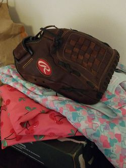 Rawlings Baseball Glove for Sale in Missouri City,  TX