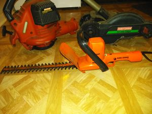 Craftsman 12 amp electrical edger, 16 in cut trimmer, 205 mph / 25cc Craftsman gas leaf blower. for Sale in Des Plaines, IL
