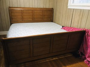 King size sleigh bed for Sale in Raleigh, NC
