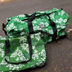 Large duffel and tote bag Hawaiian EUC for Sale in Lake Oswego, OR