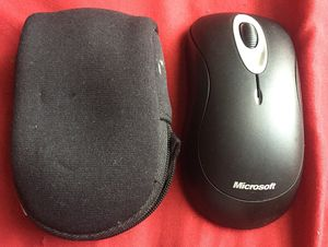 Microsoft wireless mouse with case for Sale in Milledgeville, GA