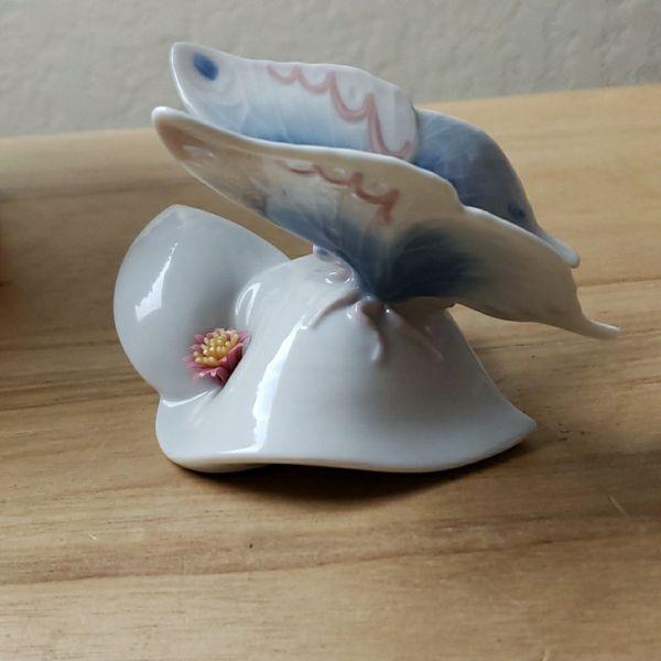 Vintage Lladro #6589 Morning Glory Figurine