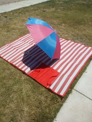 NEW ROLL OUT MAT AND CLIP ON UMBRELLA for Sale in Fresno, CA