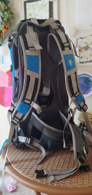 Kid carrier backpack - travel hiking for Sale in Lynnwood, WA