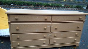 Free Dresser for Sale in Auburn, WA