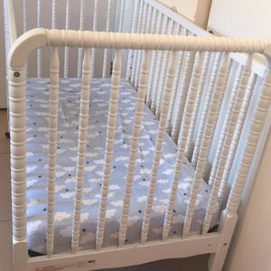 Baby White Bed for Sale in Chula Vista, CA