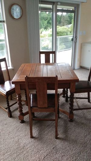 Vintage 1920's Draw Leaf Barley Twist Table & 4 Chairs for Sale in Edgewood, WA