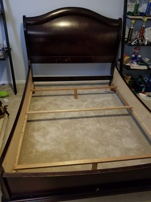 Queen size bed frame. for Sale in Montclair, CA