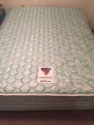 Queen mattress and box spring FREE for Sale in Everett, WA