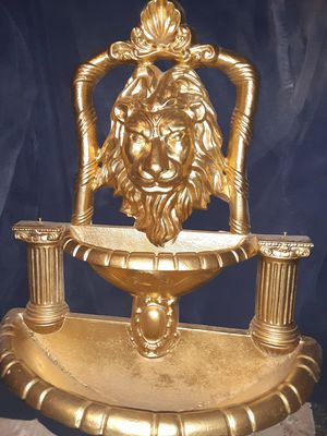 Cast iron LION HEAD FOUNTAIN for Sale in Phoenix, AZ