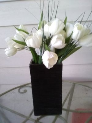 Artificial white flowers in black vase for Sale in Winter Haven, FL