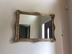 Hekman gold mirror for Sale in West Bloomfield Township, MI