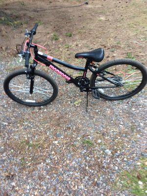 Mongoose women mountain bike / free bike helmet for Sale in Portland, OR