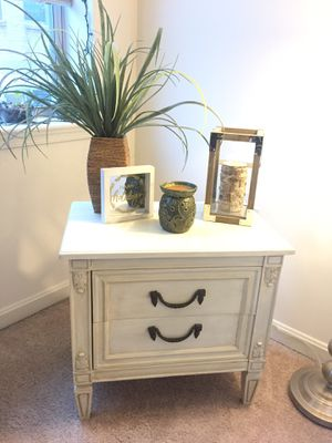 Distressed End Table - Night Stand for Sale in Baltimore, MD