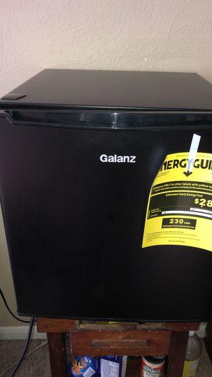 Mini Refrigerator MUST GO!!! for Sale in Missouri City, TX