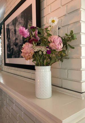 Milk glass vase white hob nob for Sale in El Dorado, AR