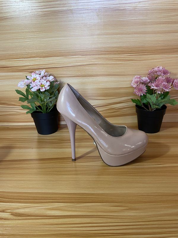 Like new Charlotte Russe women heels
