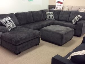 3 piece sectional available at a wholesale price!!! for Sale in Columbus, OH
