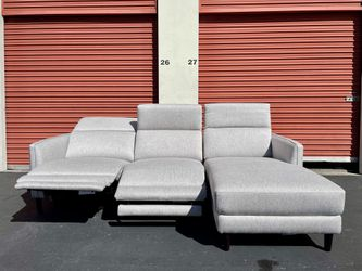 CLEARANCE | COSTCO Lucille Fabric Power Reclining Sectional, Light Gray 🔥$50 DOWN for Sale in San Diego,  CA