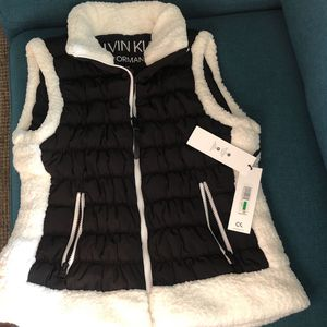 New Women's Calvin Klein Performance Black & White Vest for Sale in Rancho Cucamonga, CA