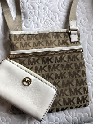 Michael Kors bag and wallet for Sale in Hyattsville, MD