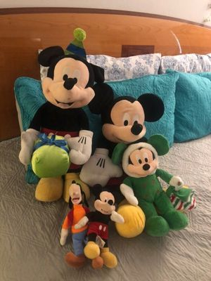 Mikckey mouse collection for Sale in Hialeah, FL