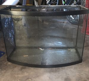 36 gallon bow front aquarium with stand & accessories for Sale in Fort Myers, FL