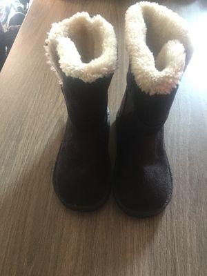 Girl boots size 8 for Sale in Yakima, WA