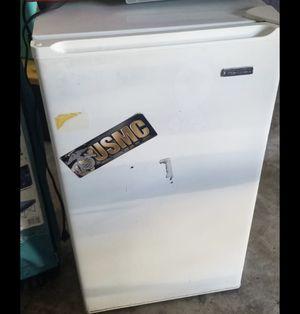 Mini fridge for Sale in Fountain Valley, CA
