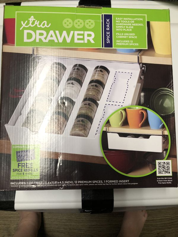 Spice rack drawer with spices included