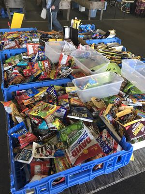 Snacks and candy wholesale lot for Sale in East York, PA
