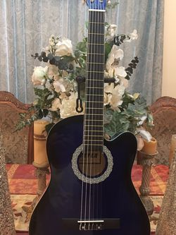 Fever Classic Acoustic Guitar for Sale in Downey,  CA