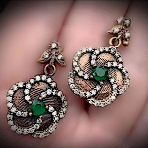 EMERALD FLOWER FINE ART DANGLE POST EARRINGS Solid 925 Sterling Silver/Gold WOW! Brilliant Facet Round Cut Gemstones, Diamond Topaz M3138 VS for Sale in San Diego, CA