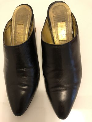 Women's Black Leather 2 1/2 inch Heels for Sale in Cape Coral, FL