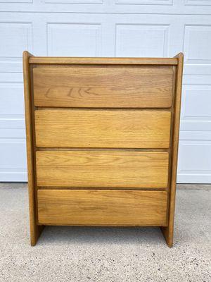 Oak 4 Drawer Dresser for Sale in Wenatchee, WA