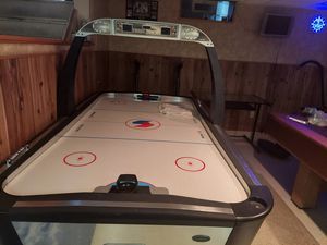 Air Hockey Table Puck && Paddles included for Sale in Inkster, MI