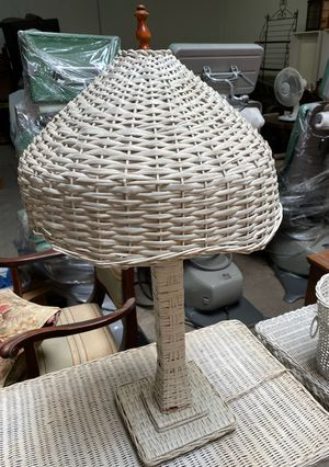 Antique Working White Wicker Lamp for Sale in Yorba Linda, CA
