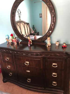 Cherry wood bed set for Sale in Montgomery, AL