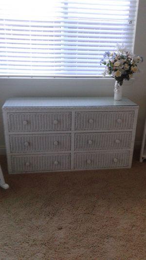 White Wicker twin bedroom set for Sale in Rancho Cordova, CA
