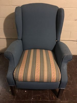 Blue recliner for Sale in Baltimore, MD