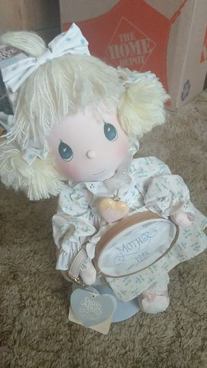Precious moments mother 1986 for Sale in Cleveland, OH
