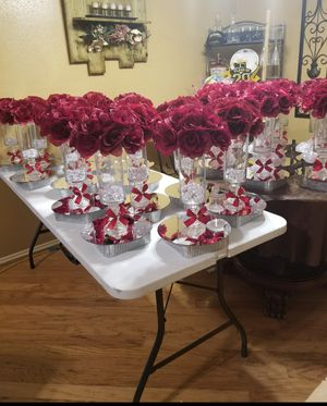 Centros de mesa para xv bodas diferentes estilos for Sale in Houston, TX