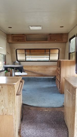 1996 38 foot fifth wheel needs some work for Sale in Sweet Home, OR