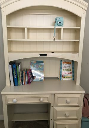desk with drawers and shelves(pending pickup) for Sale in Las Vegas, NV