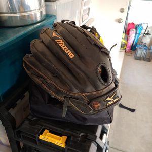 Mizuno Softball Glove. for Sale in Bakersfield, CA