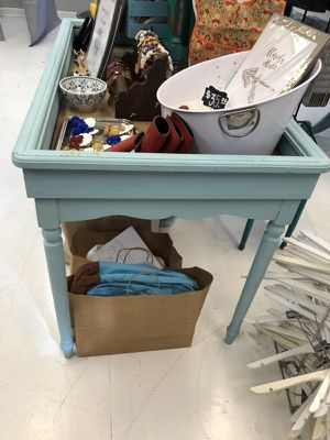 Light Aqua Console Table for Sale in Tampa, FL